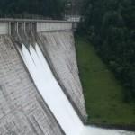 Cine pe cine sfideaza in relatia Hidroelectrica – Baietii Destepti