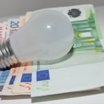 Romanii incep sa inteleaga avantajele pietei concurentiale de energie electrica. Circa 1,2 milioane de consumatori casnici au ales piata libera