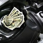 Ce ar fi daca petrolul ar ajunge sa aiba, precum banii, pret negativ?