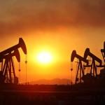 Statul are de ales: sprijina industria petroliera si castiga din investitii, sau o taxeaza la sange si pierde din venituri