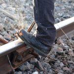 Toate tunurile pe distribuitorii de energie: dupa modelul eliminarii sinelor de cale ferata urmeaza liniile de curent?