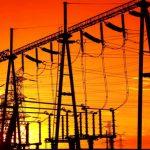 Companiile de utilitati contesta deciziile ANRE privind metodologia de stabilire a tarifelor de distributie si ameninta cu reducerea volumului investitiilor