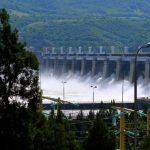 Toata lumea moare de grija Hidroelectrica: unii contesta privatizarea, altii cer dividende suplimentare si statul vrea investitii. Intre timp compania e in pana de productie