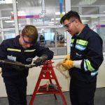 Criza de personal calificat ascute competitia pentru atragerea tinerilor in marile companii energetice prezente pe piata din Romania