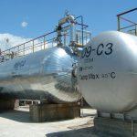 Ne-a mai ramas ceva din industria petrochimica: singurul producator de bitum din Romania, refinaria Vega Ploiesti, aniverseaza 115 ani de performanta in industria de rafinare